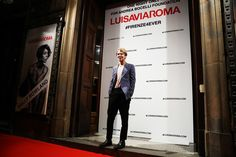 Tom Odell Photos Photos - Tom Odell walks the red carpet of Firenze4ever 14th Edition Party hosted by LuisaViaRoma during Pitti Uomo 91 on January 9, 2017 in Florence, Italy. - Firenze4Ever 14th Edition