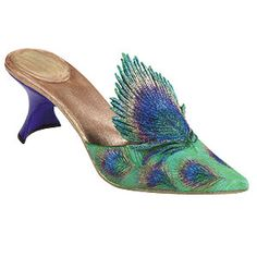 peacock shoes w/ kitten heels. Peacock Shoes, Peacock Dress, Peacock Colors, Peacock Feathers, Peacock Art, Peafowl, Beautiful Shoes, Shoe Collection, Wedding Shoes