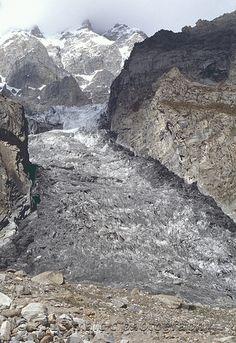 Karimabad (Hunza) Ultar Glacier . Pakistan
