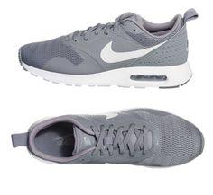 Nike Air Max Tavas Sneakers in grau. Die perfekten Alltagsschuhe - nicht nur gemütlich, sondern auch toll kombinierbar.