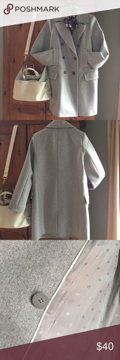 """Women's Banana Republic Wool Top Coat This coat is a classic.  Wore it maybe twice, in excellent condition. 59% wool 21% polyester 12% nylon 8% other.  Fully lined.  It is mainly wool, but not a heavy top coat. It is a true light grey.  Measures 35"""" from shoulder to bottom. All pockets shown are functional. Banana Republic Jackets & Coats Trench Coats"""