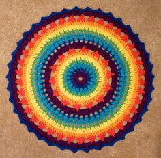 padrão de mandala de crochê de arco-íris