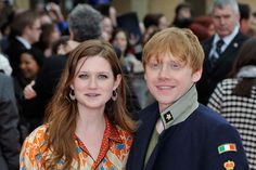 Bonnie Wright Photos - (L-R) Bonnie Wright and Rupert Grint attend the Grand Opening of the Warner Bros. Studio Tour London: The Making of Harry Potter on March 2012 in Watford, England. Making Of Harry Potter, Harry Potter Hermione, Harry Potter Love, Harry Potter Fandom, Harry Potter World, Ginny Weasly, Ron Weasley, Dean Thomas, Warner Bros Studios