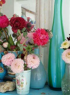 I like the long vase...