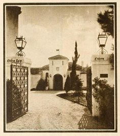 Rudolph Valentino's House – Falcon Lair Hollywood Homes, Hollywood Stars, Hollywood Cinema, Spanish Revival, Spanish Colonial, Vintage Hollywood, Classic Hollywood, Doris Duke, Rudolph Valentino