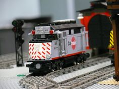 Lego Caltrain F40PH by Bill Wards Brickpile, via Flickr