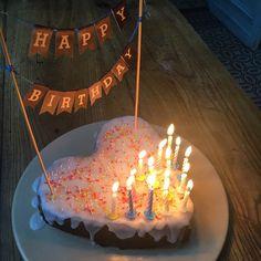 Gâteau d'anniversaire pour les 16 ans de notre apprentie cuistot #gateau #anniversaire #birthdaycake #cuisine #food #homemade #faitmaison N'hésitez pas à nous demander la recette, nous la publierons dans notre blog http://cuisine-meme-moniq.com #yummy #cooking #eating #french #foodpic #foodgasm #instafood #instagood #yum #amazing #photooftheday #dinner #sweet #fresh #tasty #foodie #delish #delicious #foodpics #eat #hungry #foods