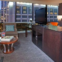 Hotel Inspiration: Decorating Small Apartments