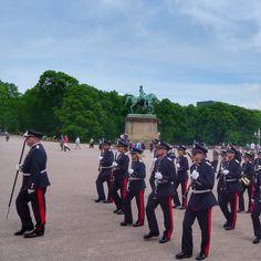 oslo | norge | slottsplassen | kongens gardes musikkorps | parade