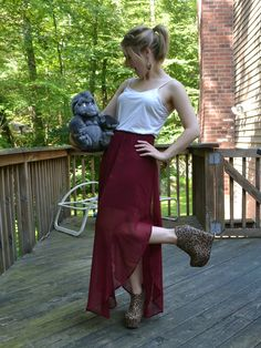 Love the skirt! And the shooooes! <3 stuff-and-fluff-and-pixie-dust:  Disneybounding as Jane from Tarzan today! Sadly Terk will not be jo...