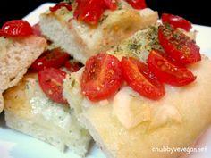 Sfincione - tomate sweet grape, alho, orégano e MUITO azeite de oliva. Pão tradicional da Sicília, sul da itália.