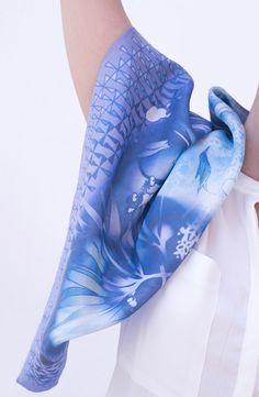 https://www.etsy.com/es/listing/224806109/silk-scarf-metamorphosis-lilac-138x138cm?ref=shop_home_feat_2