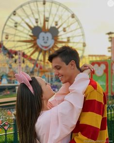 Cute Disney Pictures, Couple Pictures, Pretty Pictures, Couple Goals, Cute Couples Goals, Disney Poses, Disney Couples, Disney Vacations, Disney Trips