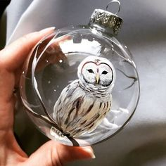 Owl Christmas Tree Ornament Hand Painted Snow White Bird Wildlife Unique Glass Sphere Holiday Gift W Owl Christmas Tree, White Christmas Ornaments, Christmas Tree Painting, Woodland Christmas, Christmas Crafts, Christmas Decorations, Xmas Baubles, Hand Painted Ornaments, Beaded Ornaments