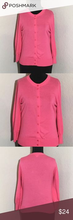 """Women's J Crew Pink Long Sleeve Cardigan Career S Women's J. Crew pink long sleeve Cardigan size S. 18"""" armpit to armpit, 22.5"""" shoulder to hem. Excellent condition no flaws J. Crew Sweaters Cardigans"""