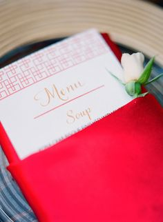 Red napkin | red and blue wedding palette | Photography : Jana Morgan Photography