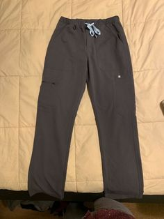 8339e6f7dfe Figs Mens Large Axim Scrub Pants And Leon Scrub Top Navy blue Lightly Used.