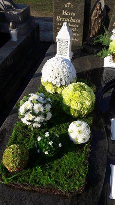 Stroik na cmentarz Funeral, Floral Arrangements, Wreaths, Projects, Decor, Flower Arrangements, Condolences, Christmas, Log Projects