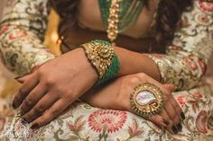We Did A Little Research And Found The Ultimate Nail Hues Every Bride Is Sporting These Days! Hand Jewelry, Jewelry Gifts, Nizam Jewellery, Jewellery Earrings, Gold Jewellery, Schmuck Design, Jewelry Patterns, Necklace Designs, Indian Jewelry