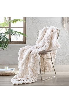 Chunky Knit Throw, Chunky Blanket, Fluffy Blankets, Throw Blankets, Thick Yarn, Bed Runner, Knitted Throws, Sofa Throw, Sofa Bed