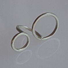 Contemporary ring 2O in sterling silver by andreasschiffler