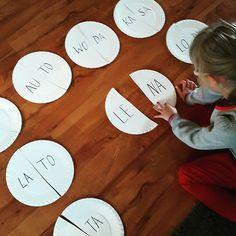Zainspirowana zdjęciem @mojedziecikreatywnie.pl stworzyliśmy dziś 1001 zabaw z sylabami. Dziękujemy  #sylaby #czytanie #dzieci #kids #talerzepapierowe #homeschooling #naukadomowa #education #edukacja #edukacjadomowa #ED #papperplate #kidscrafts Early Education, Kids Education, Learn Polish, Polish Language, Alphabet Activities, Kids Crafts, Montessori, Kindergarten, Learning