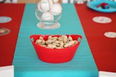 Season Opener: Baseball Party Ideas. Table + food ideas