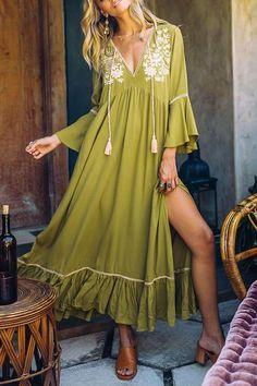 Bohemian style 785174516263665381 - Bohemian style, boho outfit Source by mookyboutique Boho Outfits, Fashion Outfits, Dress Fashion, Skirt Outfits, Fashion Clothes, Trendy Outfits, Fashion Ideas, Side Slit Dress, Maxi Dress With Sleeves