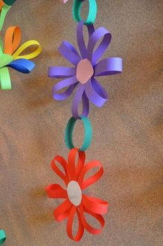 Spring Crafts For Kids With Construction Paper Kids Crafts, Summer Crafts, Toddler Crafts, Preschool Crafts, Easter Crafts, Projects For Kids, Diy And Crafts, Arts And Crafts, Wood Crafts