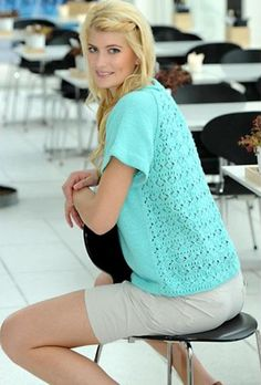 Вязаный спицами летний джемпер реглан с ажурной спинкой  http://www.ladyknits.ru