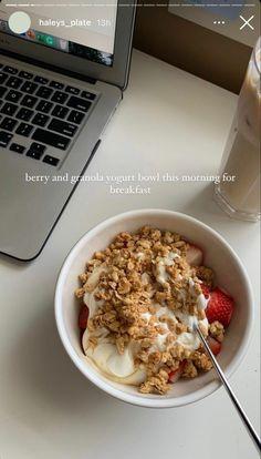 Think Food, I Love Food, Good Food, Yummy Food, Healthy Snacks, Healthy Recipes, Yogurt And Granola, Food Is Fuel, Food Goals