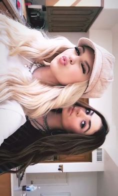 46 Ideas funny pictures friends bff awesome for 2019 Photos Bff, Friend Photos, Girl Photos, Foto Best Friend, Best Friend Poses, Cute Friend Pictures, Family Pictures, Funny Pictures, Bff Goals