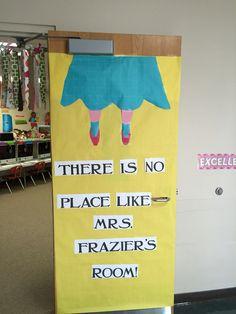 "Wizard Of Oz Decoration Ideas . 30 Elegant Wizard Of Oz Decoration Ideas . Wizard Of Oz"" Grad Cap Idea Diy Birthday Bulletin Boards, Classroom Birthday, Classroom Board, School Classroom, Classroom Themes, Classroom Organization, Mason High School, Preschool Door, Classroom Setting"