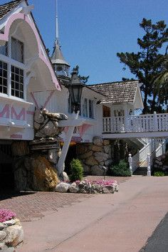 The Madonna Inn, dupe