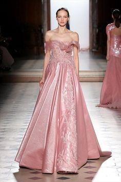 9b66a7ab2c5e Tony Ward Spring 2018  Gorgeous pink off shoulder gown! Abiti Gala