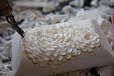 Soap Carving - Lino Cutter flower effect #makingsoap #handcarvedsoap #mastersoaper