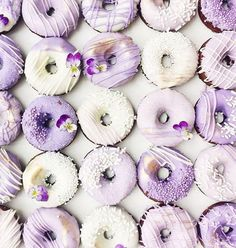 More purple ombre donuts went out today Happy weekend guys x by vickiee_yo Chocolate Cake Donuts, Chocolate Dipped, Melting Chocolate, Edible Wedding Favors, Wedding Cakes, Wedding Desserts, Purple Wedding Favors, Color Lila Pastel, Cake Pops