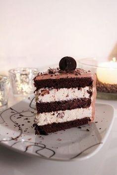 Syntisen hyvä suklaakakku Sweet Desserts, Vegan Desserts, Sweet Recipes, Delicious Desserts, Yummy Food, Baking Recipes, Cake Recipes, Sweet Bakery, Best Chocolate Cake