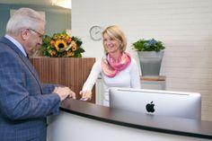 Der Patienten-Empfang in der HNO-Praxis am Grillo-Theater in Essen