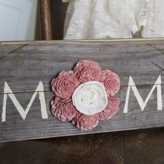 "Reclaimed Pallet Wood Sign - MOM 18""X7"""