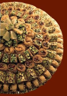 Lebanese Desserts, Lebanese Cuisine, Lebanese Recipes, Turkish Recipes, Persian Desserts, Arabic Sweets, Arabic Food, Middle Eastern Desserts, Tea Snacks