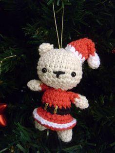 It is a Amigurumi World: Christmas Bear Pattern Amigurumi ! Crochet Christmas Ornaments, Christmas Crochet Patterns, Holiday Crochet, Christmas Gnome, Xmas, Christmas Craft Projects, Holiday Crafts, Crochet Crafts, Free Crochet