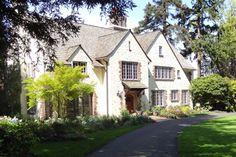 Tour historic homes & neighborhoods