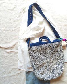 Eco Bags, Japan Bag, Clutch Bag, Tote Bag, Japanese Embroidery, Fabric Bags, Cute Diys, Japan Fashion, Hand Stitching