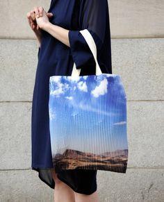 Blue Sky tote bag.   via: fermeapapier.com/...