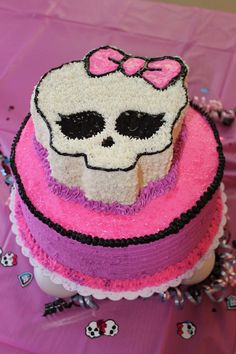 Monster High Cake  http://media-cache8.pinterest.com/upload/138063544796635920_7Nmtz4IU_f.jpg https://www.tradze.com/gift-cardmmontoya2 Tradze.com birthday