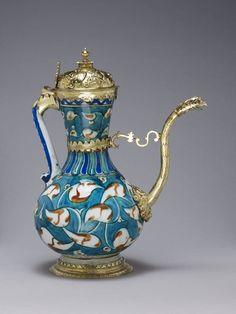 Turkey/ Iznik / Otoman period ,ca. 1597-98 / Ewer/ British Museum Height: 32.7 cm Diameter: 2.52 cm (including spout) Weight: 1.163 kg