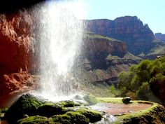Grand Canyon Hike, Arizona - World's Best Hikes Grand Canyon Waterfalls, Arizona Waterfalls, Grand Canyon Hiking, Martin Munkacsi, Nan Goldin, Steve Mccurry, Colorado, Parc National, National Parks