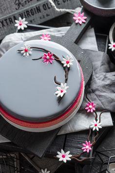 Современные десерты: муссовый торт «Грейс» со вкусом ежевики, малины и белого шоколада | Andy Chef (Энди Шеф) — блог о еде и путешествиях, пошаговые рецепты, интернет-магазин для кондитеров |