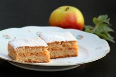 Jablkové koláče Sponge Cake, Dessert Recipes, Desserts, Banana Bread, French Toast, Cheesecake, Apple, Breakfast, Food